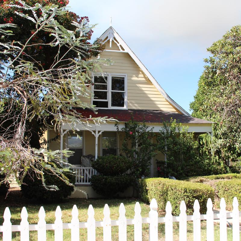 Printz powell colony house strathearn historical park for Powell house